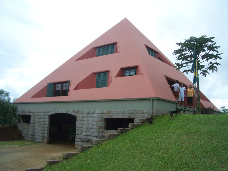 Piramicasa Arquitectura Piramidal 01