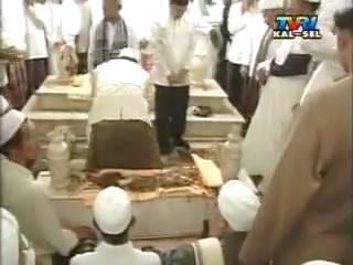 Suasana Saat Pemakaman Abah Guru Sekumpul