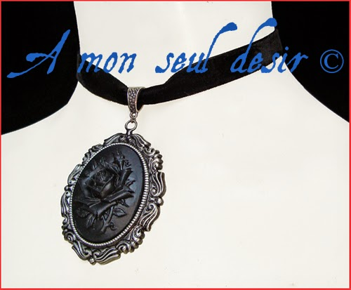 Collier ras du cou gothique victorien camée rose noire velours noir black rose cemao choker necklace black velvet black beauty gothic lolita jewelry