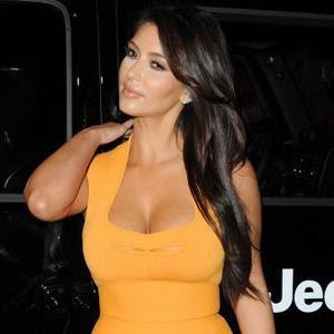 Foto Kim Kardashian Terbaru | Artis Sexy dan Paling Banyak Di Cari