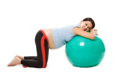 woman pregnancy exercise for helping gave birthing