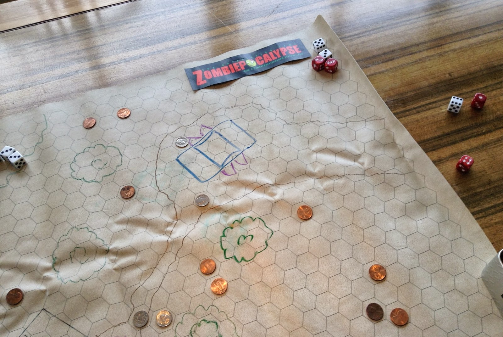 Using coins as tokens on a vinyl mat
