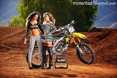 Rockstar-foto-motocross-hd-campeonato-suzuki-modelando-posando-wallpaper