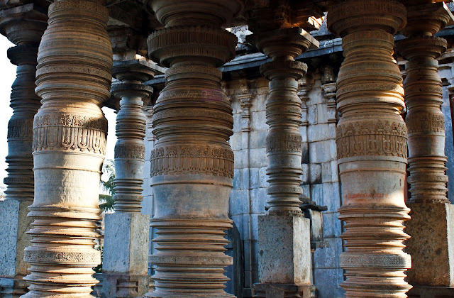 The pillars of the mukhamandapa outside the Parshvanatha Basadi