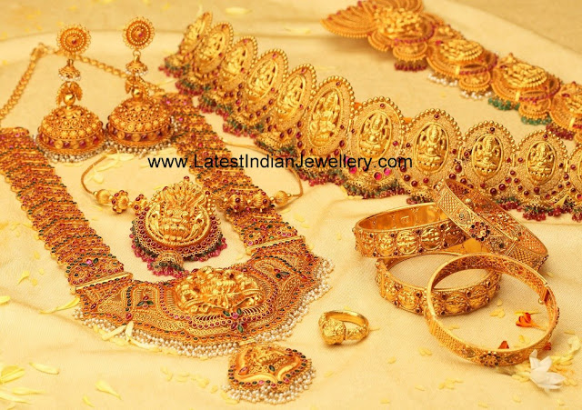 Gold Traditional Bridal Jewellery Set