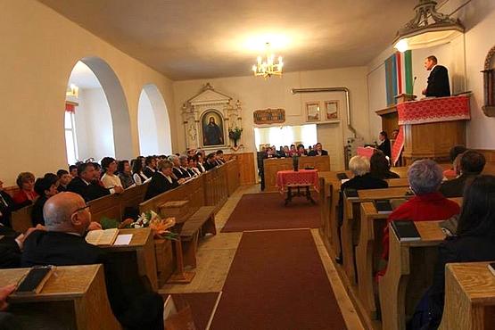 Szombatfalvi református templom belső - Édesapám csillárja