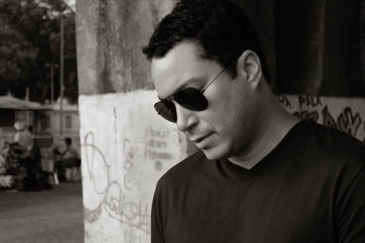 Alex Crow lança seu mais novo projeto solo
