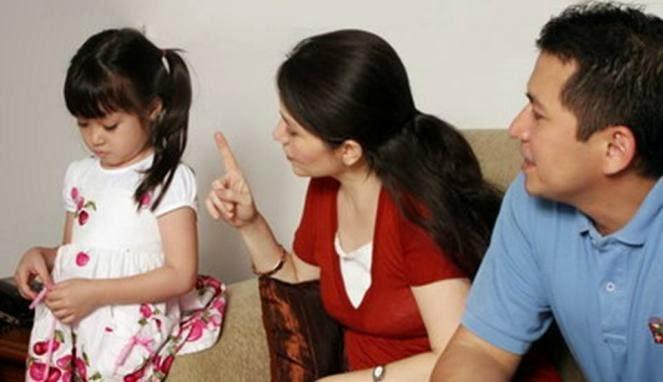 37 Kebiasaan Orang Tua yang Menghasilkan Prilaku Buruk Anak