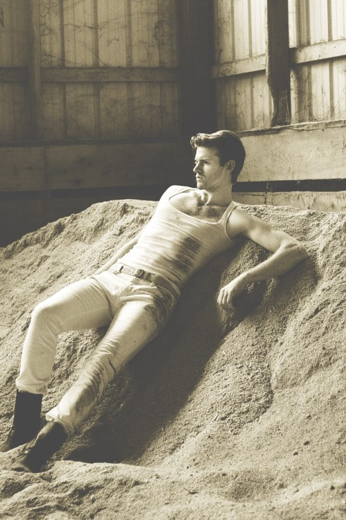 http://homotography.blogspot.com/2013/12/mark-mackillop-by-mae-richards-only.html