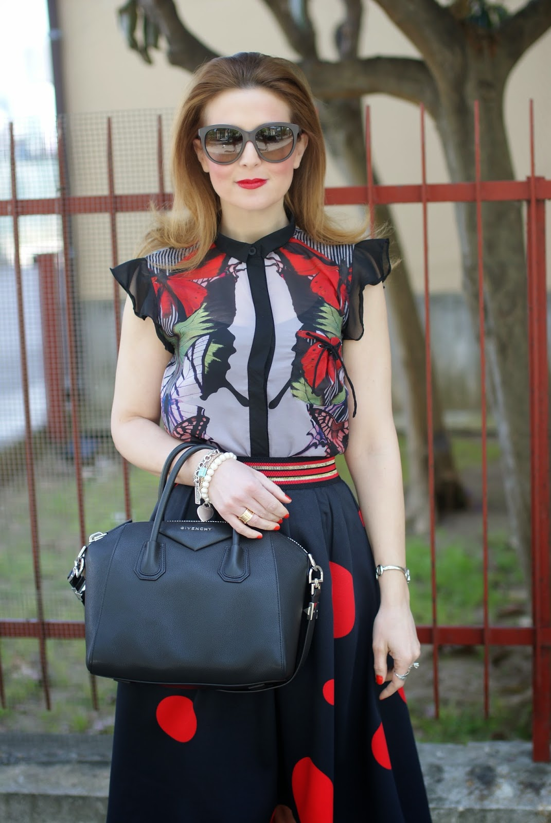 Smash! Saura blouse, Givenchy Antigona bag, Zaful polka dot skirt, large polka dot print, mix of prints on Fashion and Cookies fashion blog, fashion blogger style