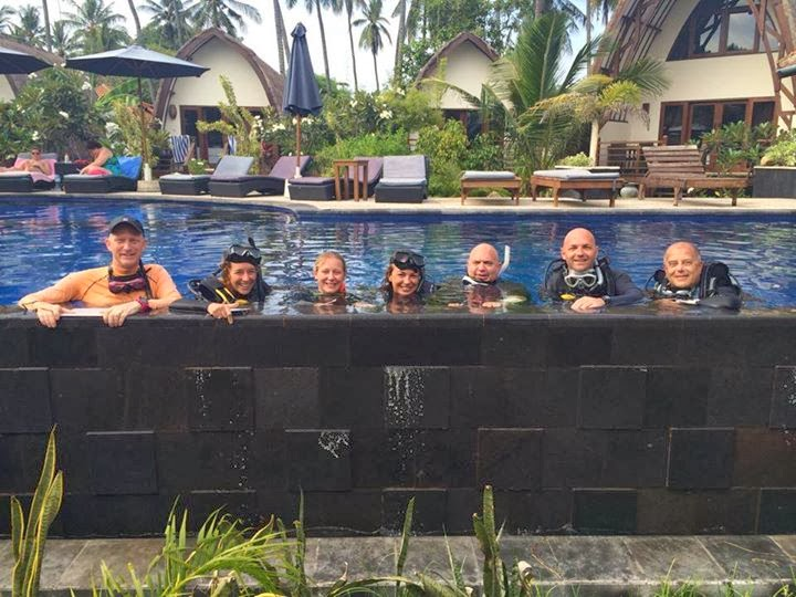 PADI IDC, Gili Air, Indonesia, confined water group