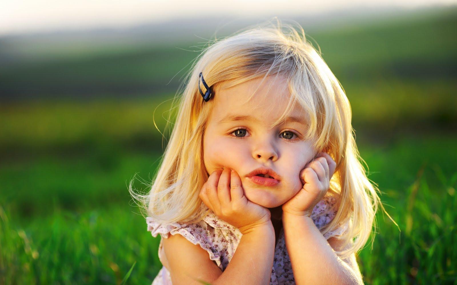 http://3.bp.blogspot.com/-ezwIMZoF_po/TmhzDbRA7II/AAAAAAAADHo/3QsdC8LKnLY/s1600/cute_little_baby_girl.jpg