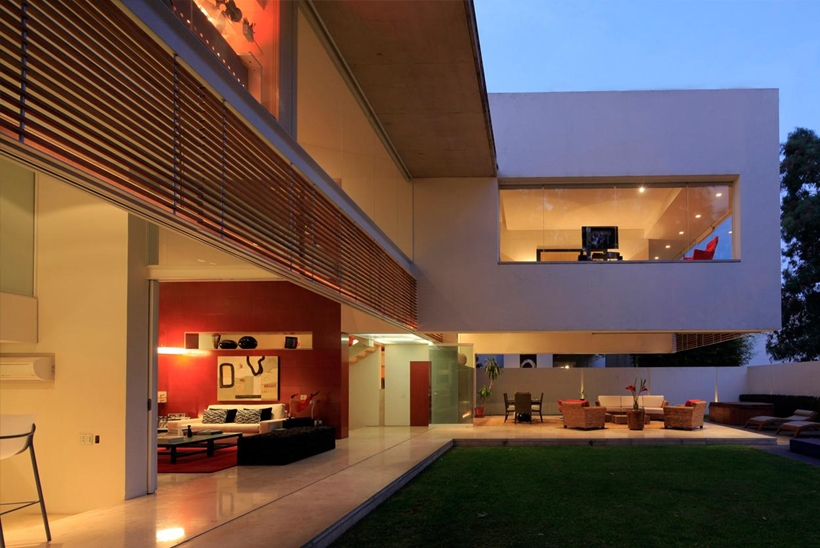 Open facade in Godoy House by Hernandez Silva Arquitectos in Mexico