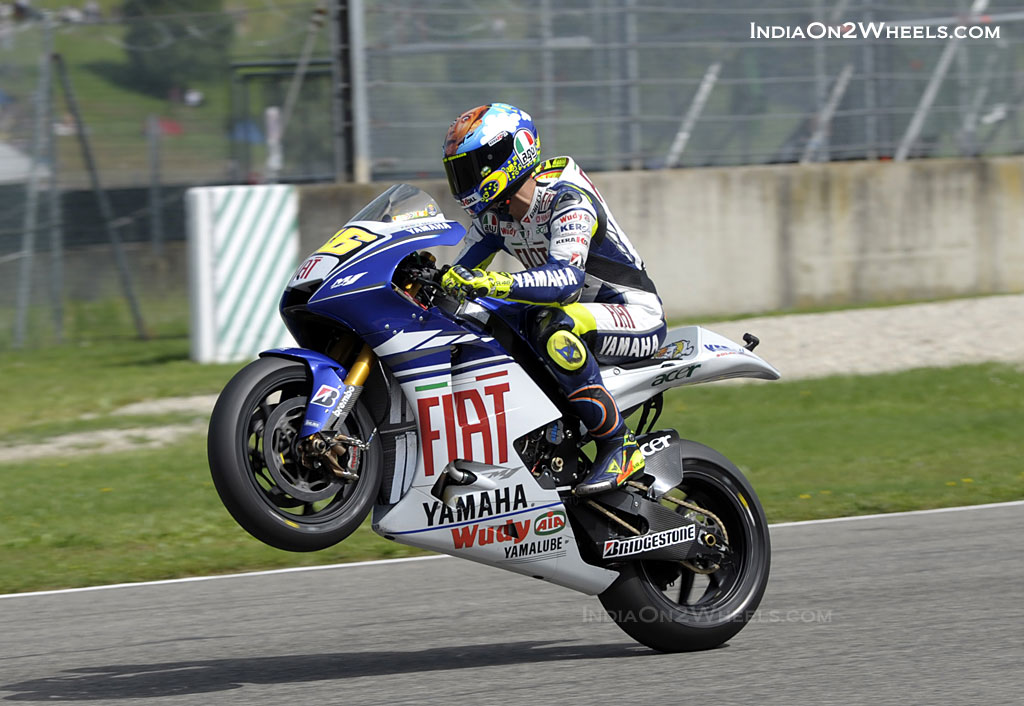 valentino rossi ndash wheelie - photo #23