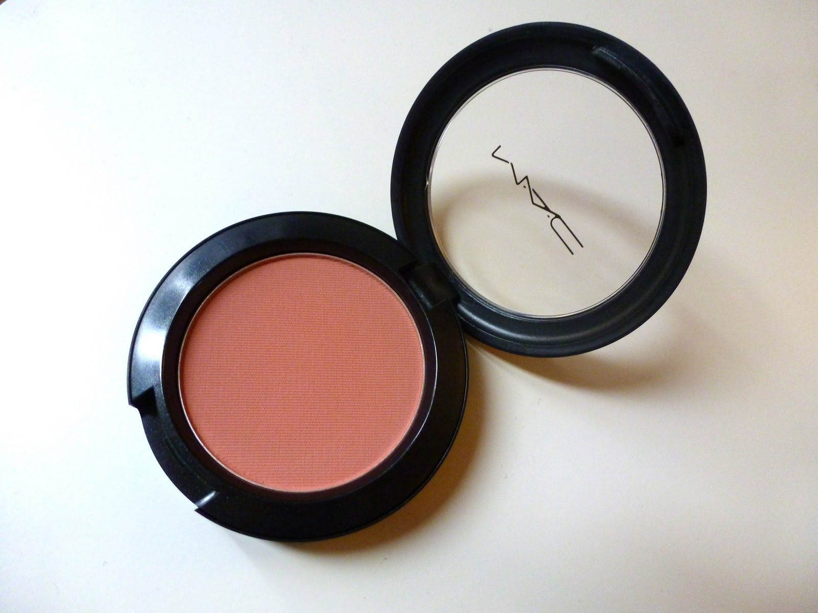 Little_wood :: UK Lifestyle & Beauty Blog: MAC Melba Blush