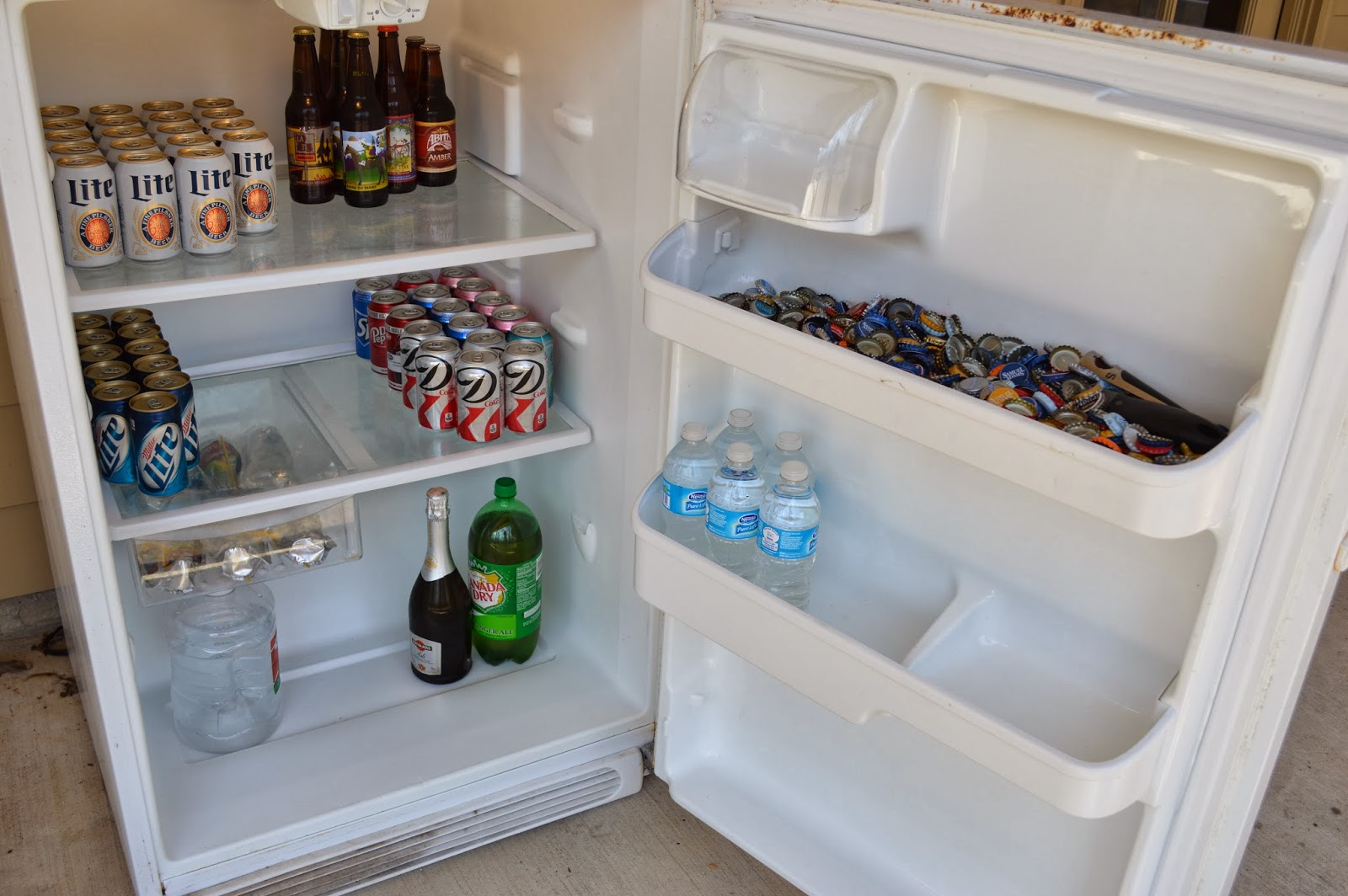 Moving Sale Sold White Frigidaire Refrigerator 125