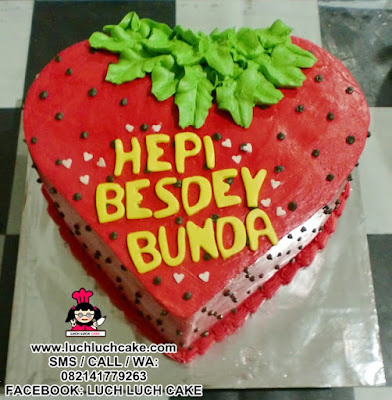 Kue Tart Strawberry Buttercream