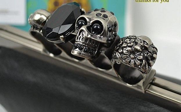 skull clutch purse