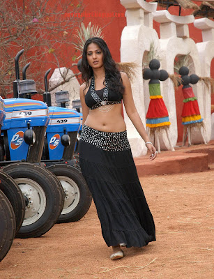 very hot anushka