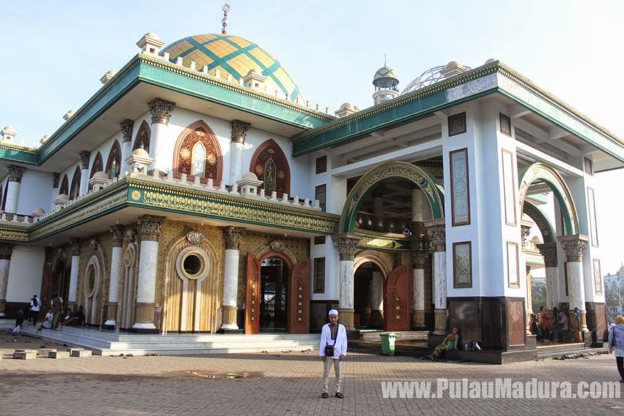 Masjid Syaichona Moh Kholil Desa Martajasah - Bangkalan