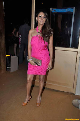 gauri khan hottest wife of bollywood_FilmyFun.blogspot.com