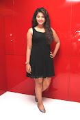 anjali sizzling photos in black-thumbnail-9