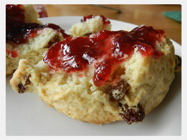 Cream Tea Queen tucks into Waterperry scone