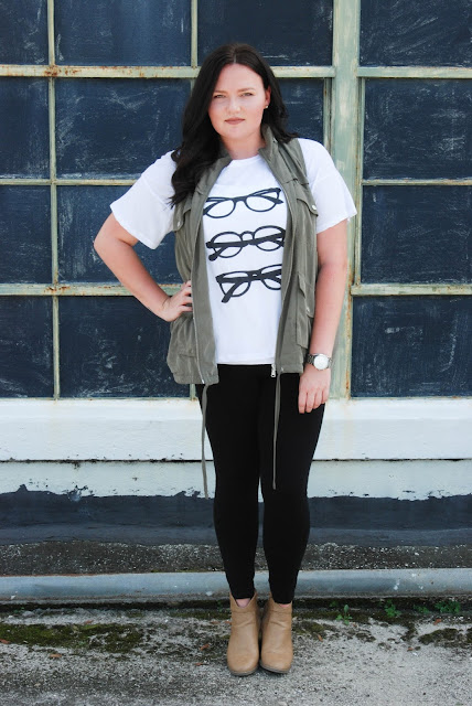 fall outfit look banana republic graphic tee lou and grey vest steve madden bag dsw booties