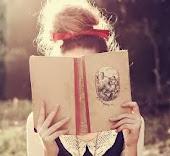 Una persona vive una sola vida, pero los que leen viven muchas.