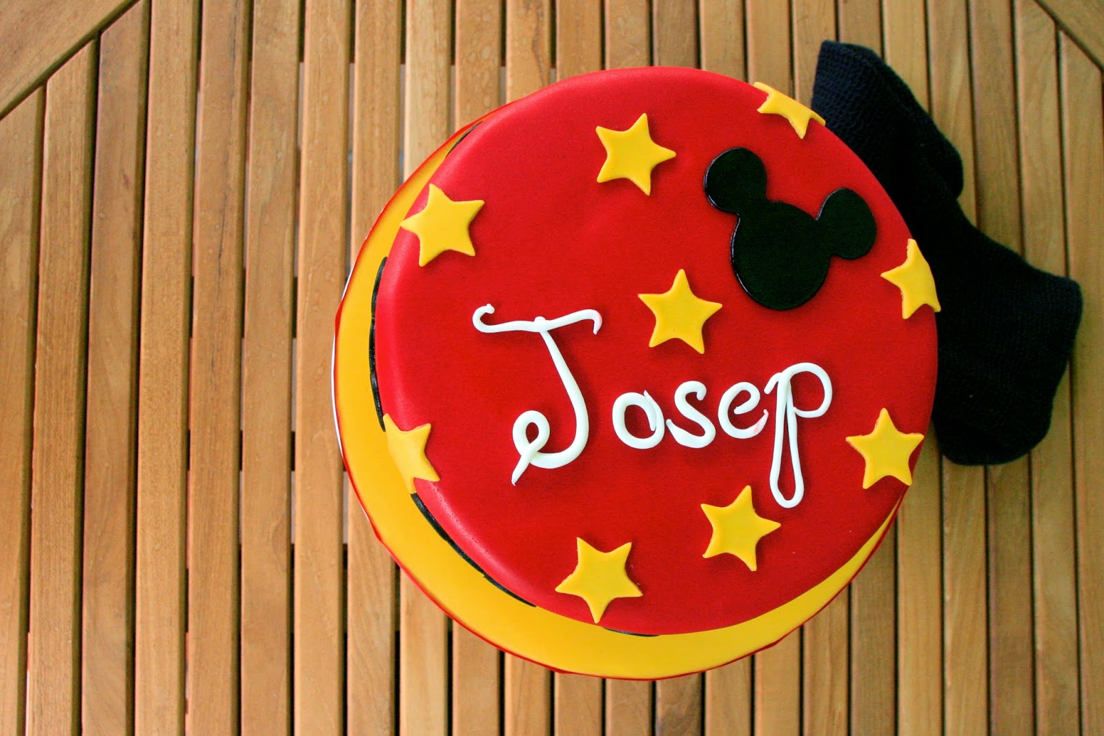 Tarta decorada de Mickey Mouse