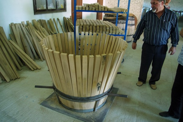 how to cut wine barrel staves