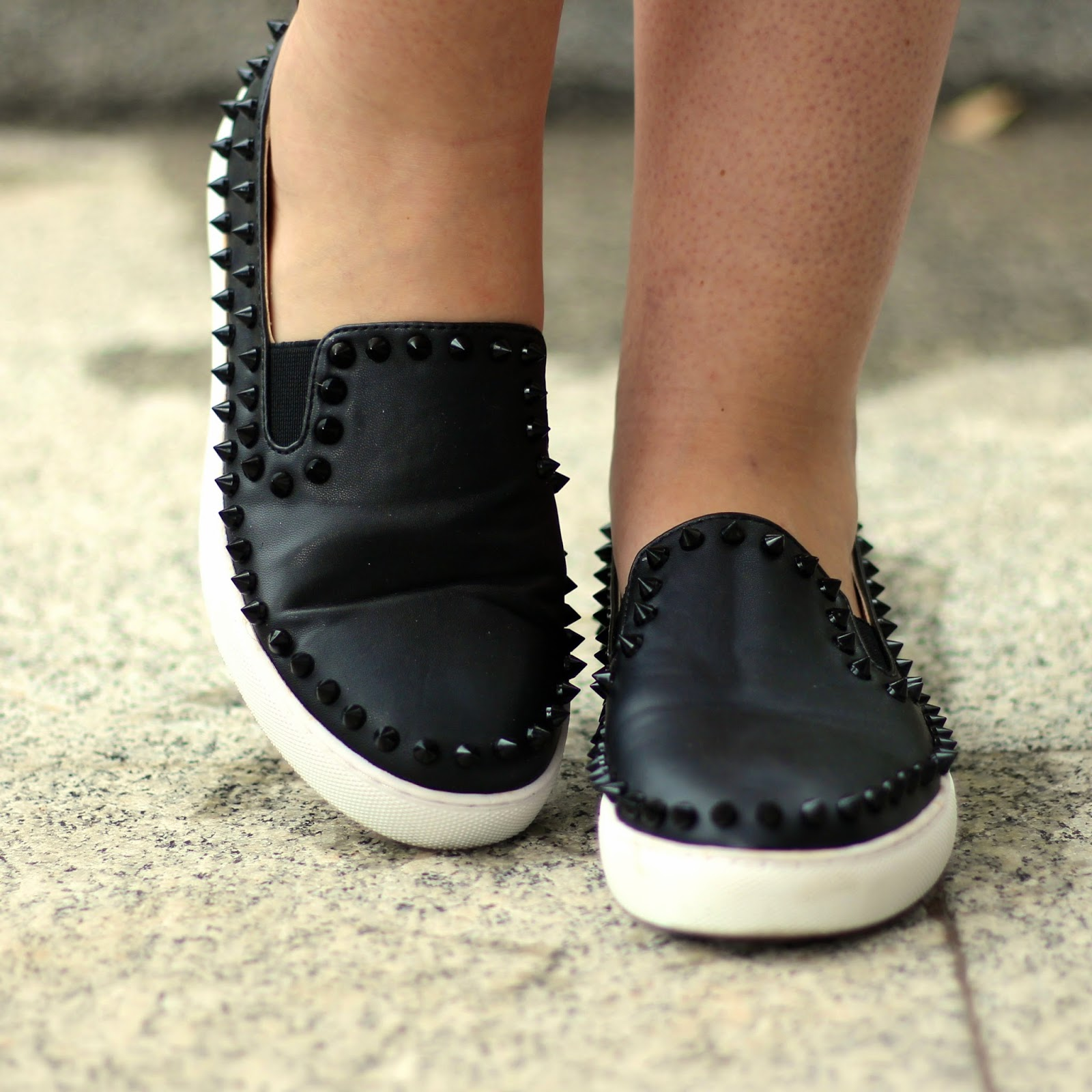 slip on de spikes