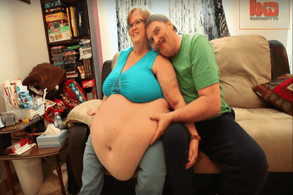 Man found true love in a super-sized model with an 8-foot-belly! INSPIRING!