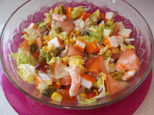 Platos y dulces ensalada de langostinos y surimi for Platos dulces