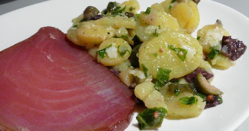 Geräucherter Thunfisch an lauwarmem Kartoffelsalat