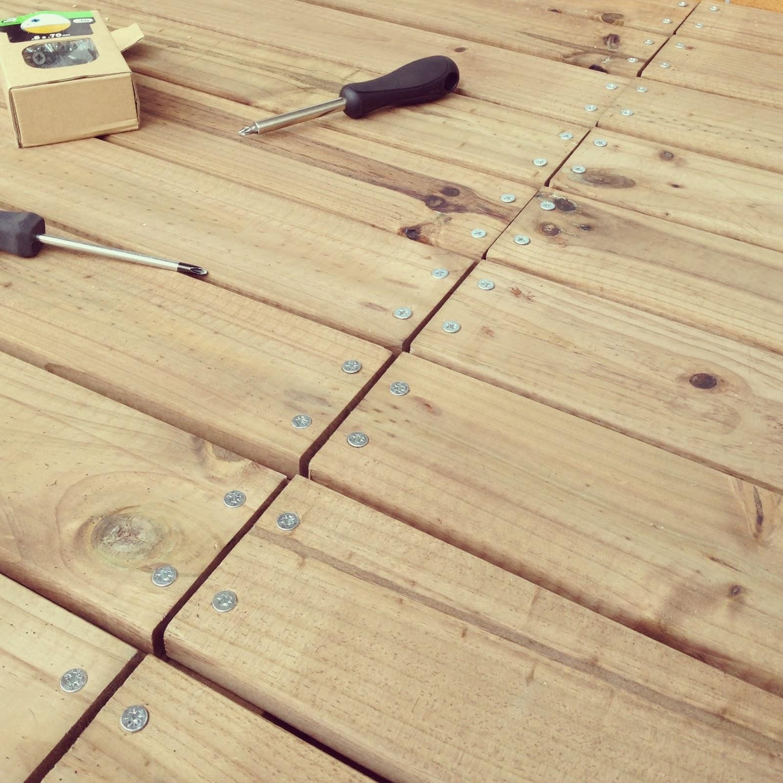 Realizaci n de una tarima de madera para terraza rojosill n - Tarimas de madera para exteriores ...
