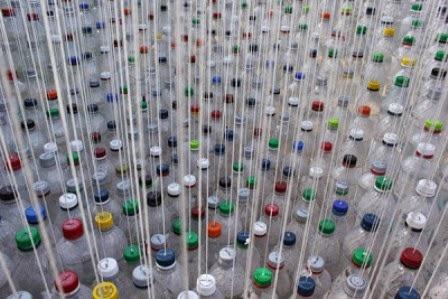 Menyulap Botol Plastik Bekas Menjadi Canopy Mobil yang Indah 4