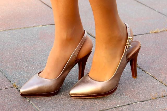 zapato color cobre
