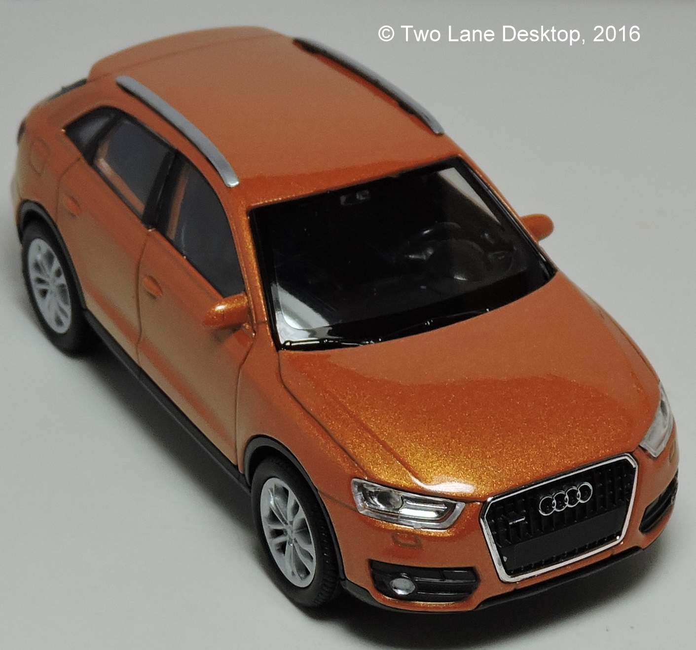 Two Lane Desktop: Welly 1:43 Audi Q3 SUV