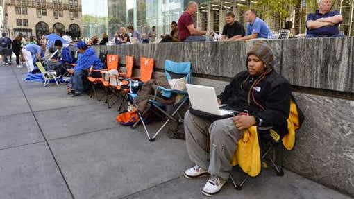 people gathered for New Iphones