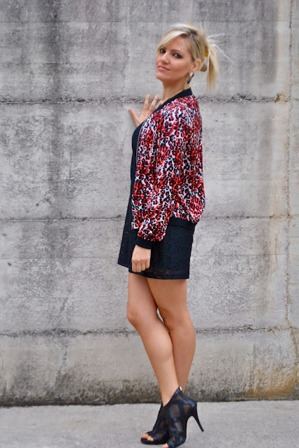 bomber stampato come abbinare il bomber abbinamenti bomber bomber rosso e nero outfit rosso come abbinare il nero come abbinare il rosso abbinamenti bomber verista jacket how to wear varsity jacket outfit settembre 2015 outfit autunnali autumnal outfit mariafelicia magno fashion blogger colorblock by felym fashion blog italiani fashion blogger italiane blog di moda blogger italiane di moda ragazze bionde blonde girls blonde hair street style lookbook girls swag style