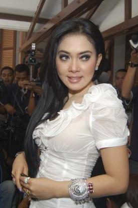 celebrity pictures indonesia syahrini