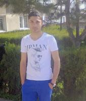 Baiat 18 ani, calarasi Bucuresti, id mess vagabontul_thau77