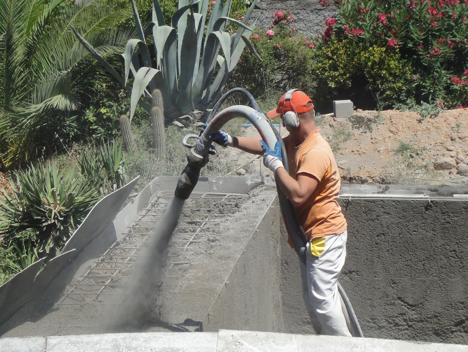 Piscine brute construction piscine diffazur for Construction piscine diffazur