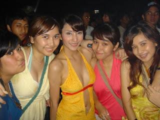 Tyas Mirasih Hot Foto |FOTO HOT SELEBRITIS