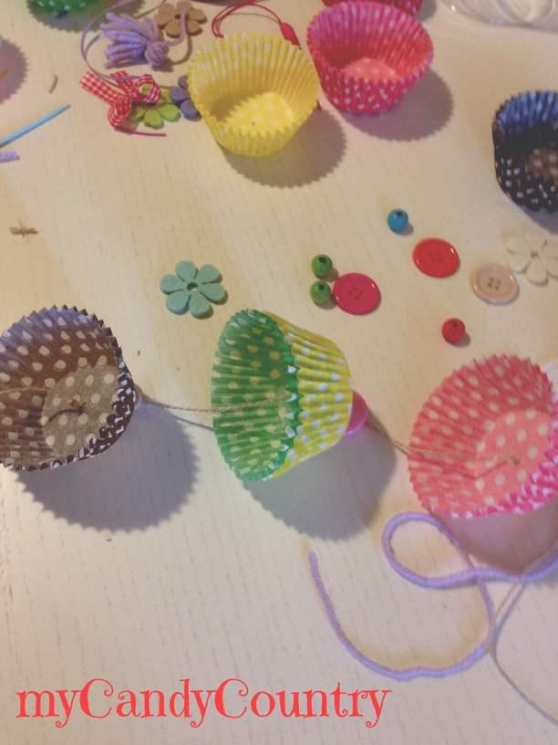 Creare un festone con pirottini da muffin idee creative for Lavori creativi fai da te
