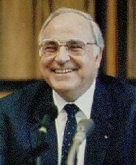 Helmut Joseph Michael Kohl (Ludwigshafen del Rin, Alemania, 3 de abril de 1930)