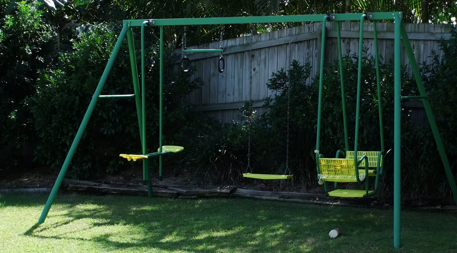suz and her sewing swing set makeover