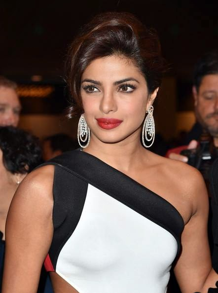 Priyanka-Chopra-hot-in-White-Gown