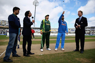 MS-Dhoni-Misbah-ul-Haq-India-vs-Pakistan-ICC-Champions-Trophy-2013